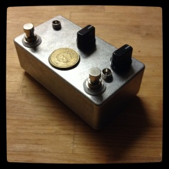 The Green Standard - a two-in-one that mixes a Gold Standard with a Green Ringer at the input. The sounds are... thud-like. This one be in Texas.