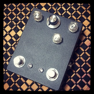 The TR-2 - this time featuring a 70's IC Muff Fuzz paired with a Violet Ram's Head. It lives in Baltimore.